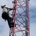 梯子からの墜落防止システム 使用事例4
